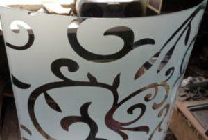 Стекло радиусное с пескоструйным рисунком для радиусных дверей Норильск