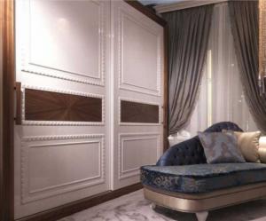 Шкаф купе с декоративным молдингом по периметру Норильск